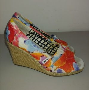 Toms wedges size 5.5